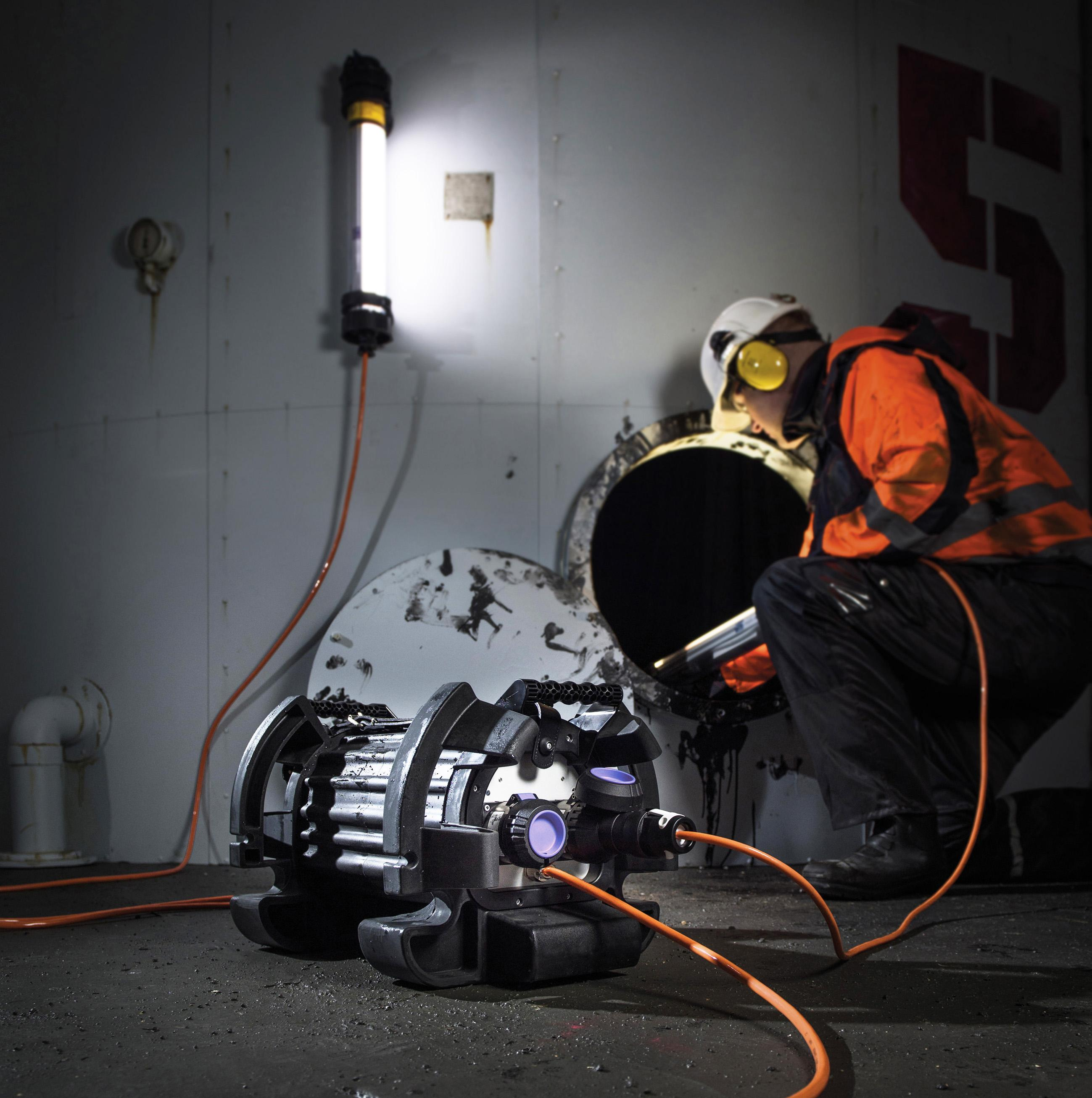Confined space lighting fullfilled with SLAM ATEX splitter.